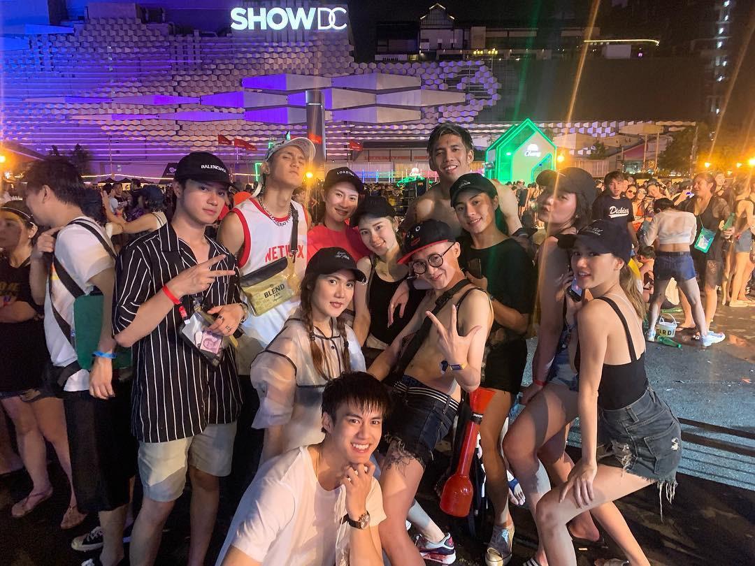 Dàn trai xinh gái đẹp hội tụ ở Songkran, nhìn thôi cũng biết lễ hội hot cỡ nào - Ảnh 13.