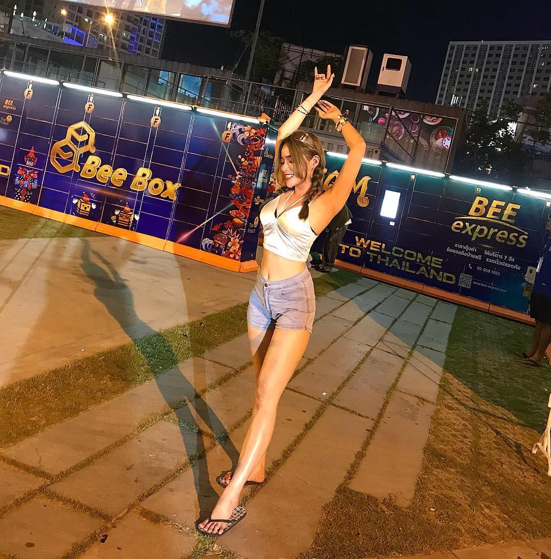 Dàn trai xinh gái đẹp hội tụ ở Songkran, nhìn thôi cũng biết lễ hội hot cỡ nào - Ảnh 6.