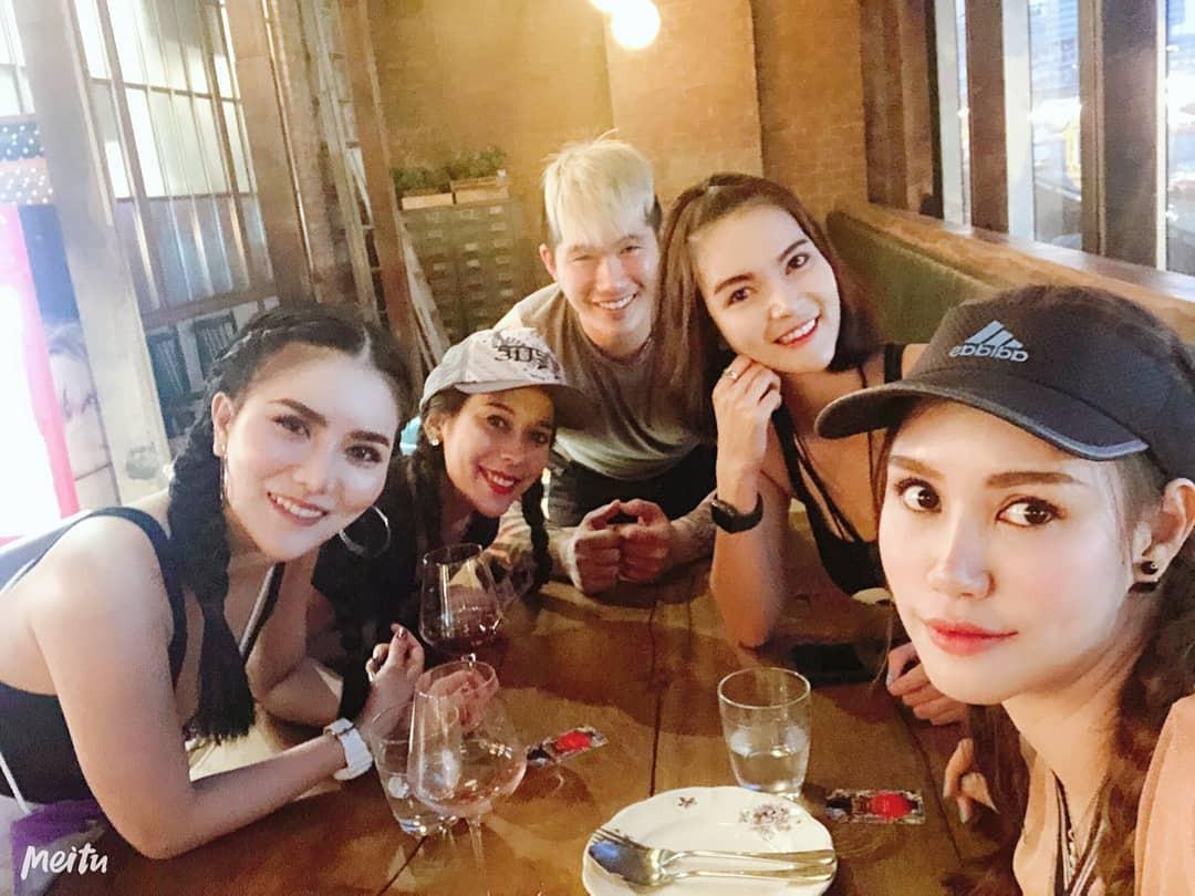 Dàn trai xinh gái đẹp hội tụ ở Songkran, nhìn thôi cũng biết lễ hội hot cỡ nào - Ảnh 12.