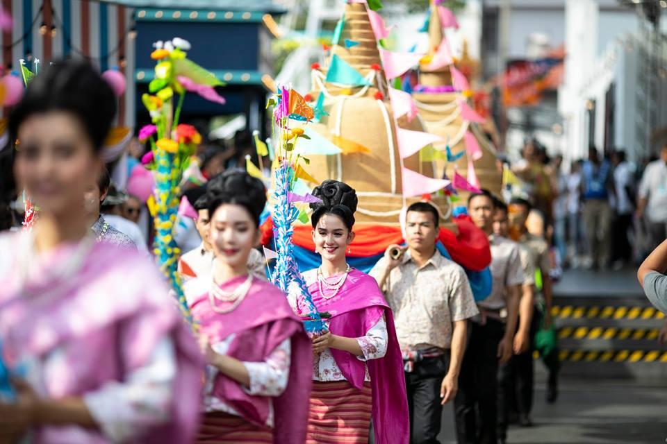 Dân tình náo loạn với nhan sắc cực phẩm của nữ thần Thungsa trong lễ Songkran 2019 tại Thái Lan - Ảnh 12.