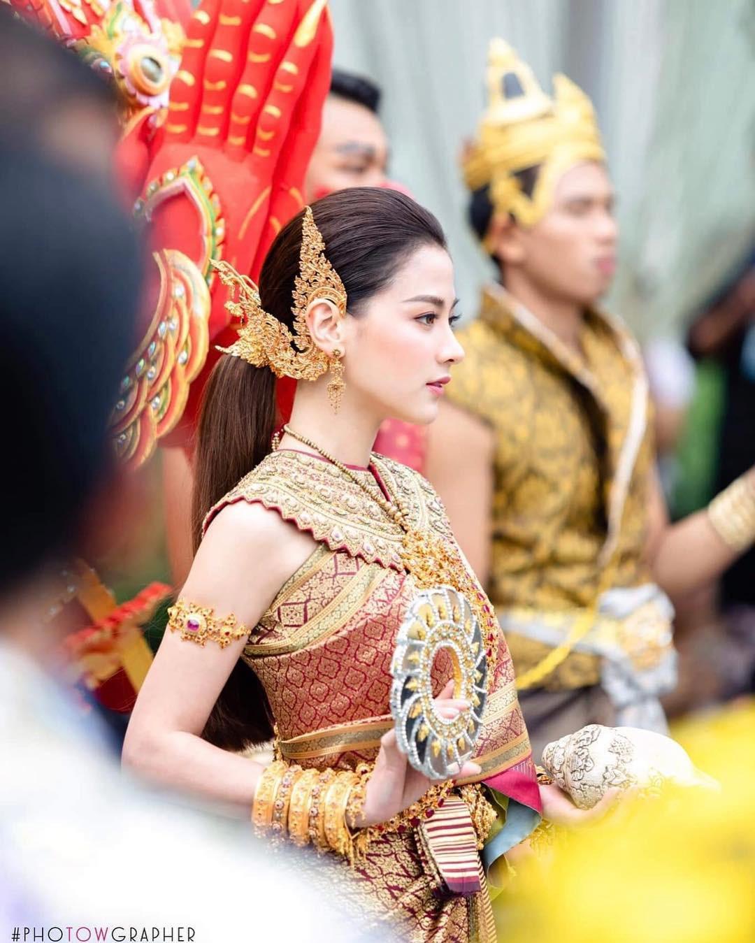 Dàn mỹ nhân đẹp nhất Tbiz hóa nữ thần tại Songkran 2019: Nữ chính Friend zone đỉnh cao nhưng có bằng 5 sao nữ này? - Ảnh 2.