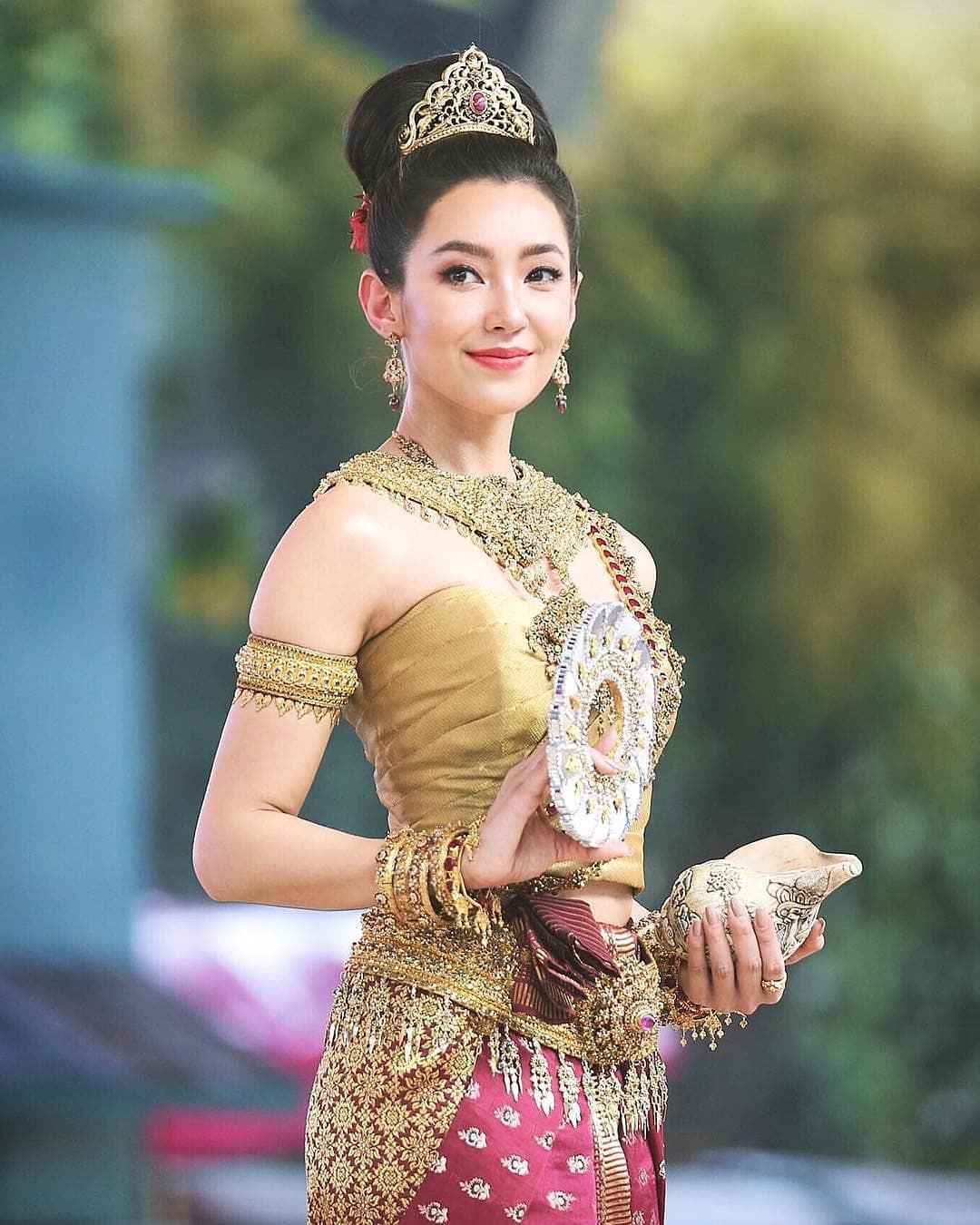 Dàn mỹ nhân đẹp nhất Tbiz hóa nữ thần tại Songkran 2019: Nữ chính Friend zone đỉnh cao nhưng có bằng 5 sao nữ này? - Ảnh 10.
