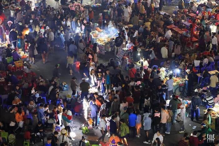 Những khoảnh khắc đông khủng khiếp ở Đà Lạt những ngày qua khiến hội ở nhà thở phào vì đã không tới - Ảnh 5.
