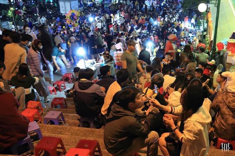 Những khoảnh khắc đông khủng khiếp ở Đà Lạt những ngày qua khiến hội ở nhà thở phào vì đã không tới - Ảnh 3.