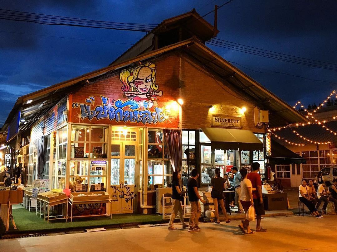 Quẩy nhiệt tình với Tết té nước Songkran xong đừng quên ghé qua khu chợ đêm nổi tiếng này ở Bangkok để ăn sập thế giới nhé! - Ảnh 18.