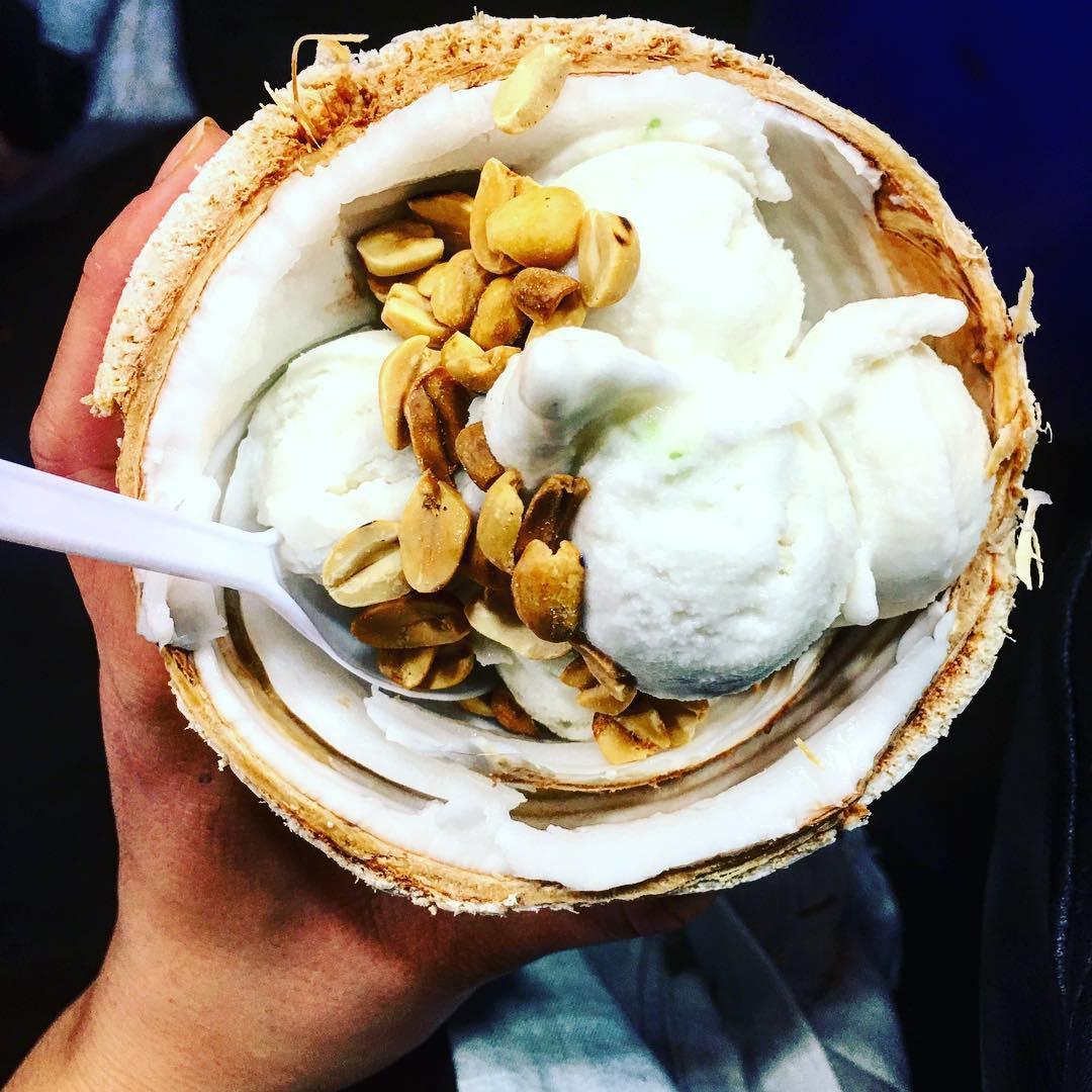 Quẩy nhiệt tình với Tết té nước Songkran xong đừng quên ghé qua khu chợ đêm nổi tiếng này ở Bangkok để ăn sập thế giới nhé! - Ảnh 11.
