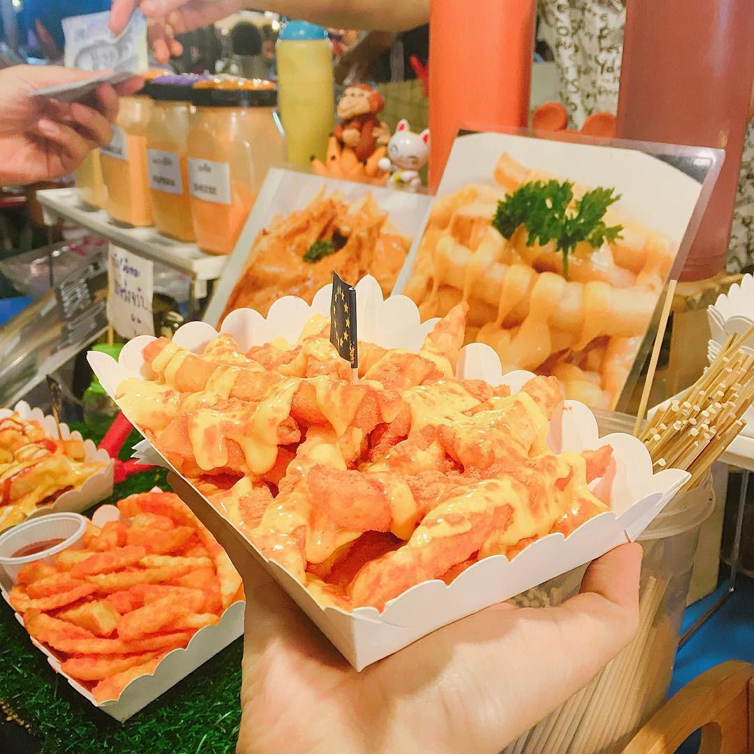 Quẩy nhiệt tình với Tết té nước Songkran xong đừng quên ghé qua khu chợ đêm nổi tiếng này ở Bangkok để ăn sập thế giới nhé! - Ảnh 12.