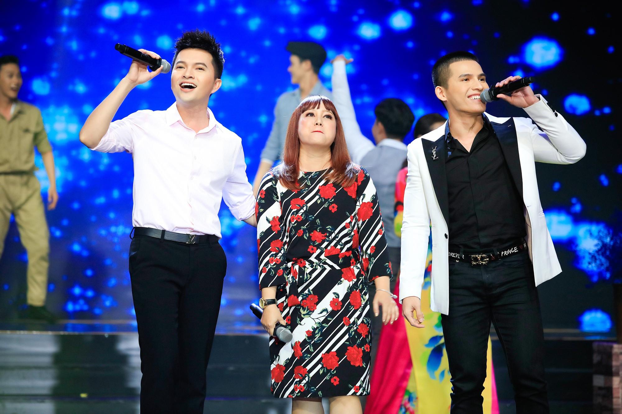 Khép lại 19 năm thanh xuân, MC Quỳnh Hương rơi nước mắt trong số cuối cùng dẫn Thay lời muốn nói - Ảnh 11.