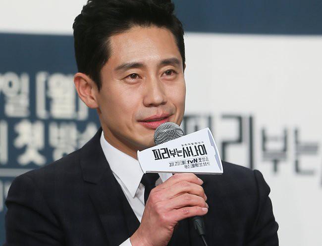 Lee Kwang Soo cùng dàn tài tử, mỹ nhân Hàn đình đám sắp đến Việt Nam và thậm chí còn quảng bá? - Ảnh 2.