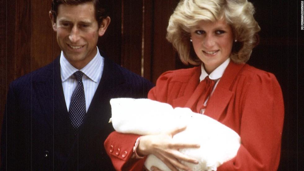 Công nương Meghan dự kiến sẽ theo bước Nữ hoàng Elizabeth Đệ Nhị, sinh con ngay tại nhà để tránh truyền thông - Ảnh 2.