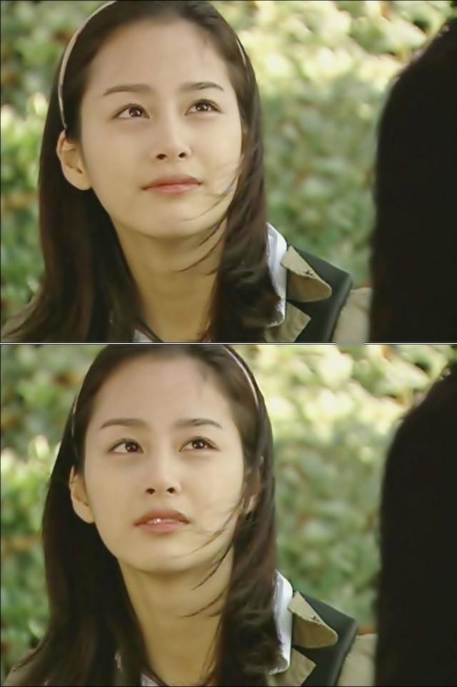 Vẻ đẹp của Kim Tae Hee: Từ nữ thần đại học đến biểu tượng nhan sắc, cả cái bóng phản chiếu trên tường cũng thừa sức gây sốt - Ảnh 7.