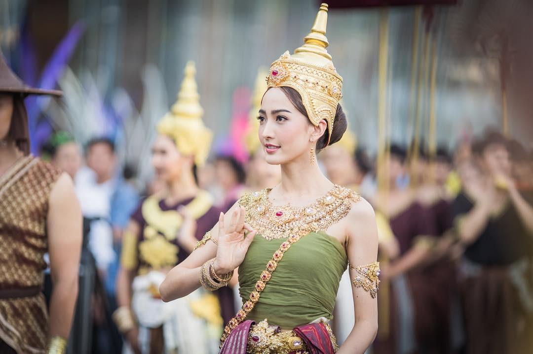 Dàn mỹ nhân đẹp nhất Tbiz hóa nữ thần tại Songkran 2019: Nữ chính Friend zone đỉnh cao nhưng có bằng 5 sao nữ này? - Ảnh 17.