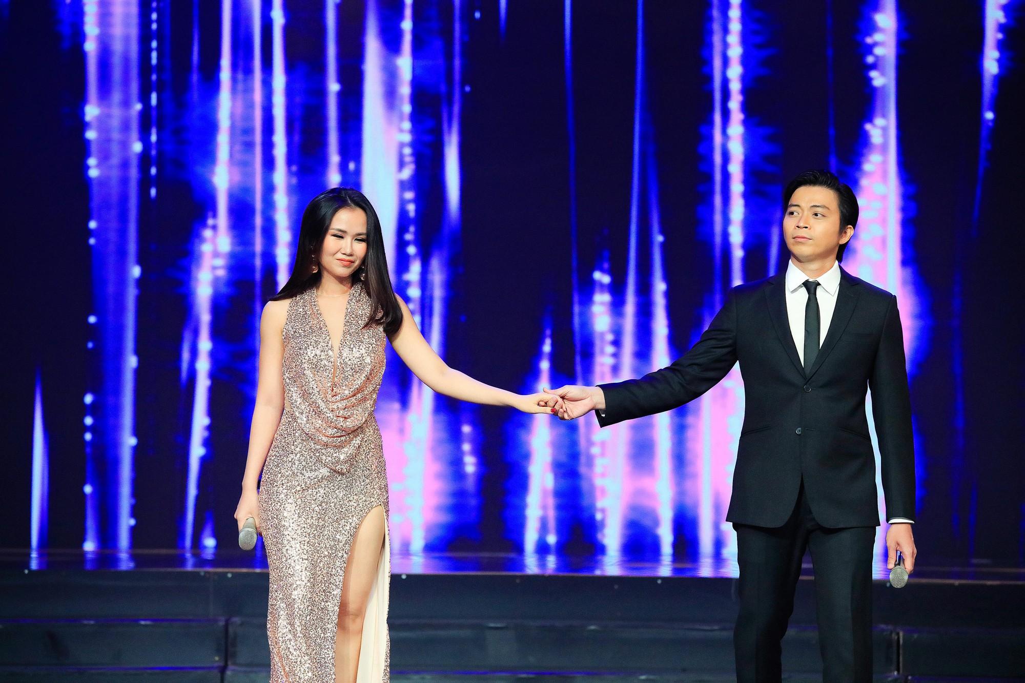 Khép lại 19 năm thanh xuân, MC Quỳnh Hương rơi nước mắt trong số cuối cùng dẫn Thay lời muốn nói - Ảnh 14.