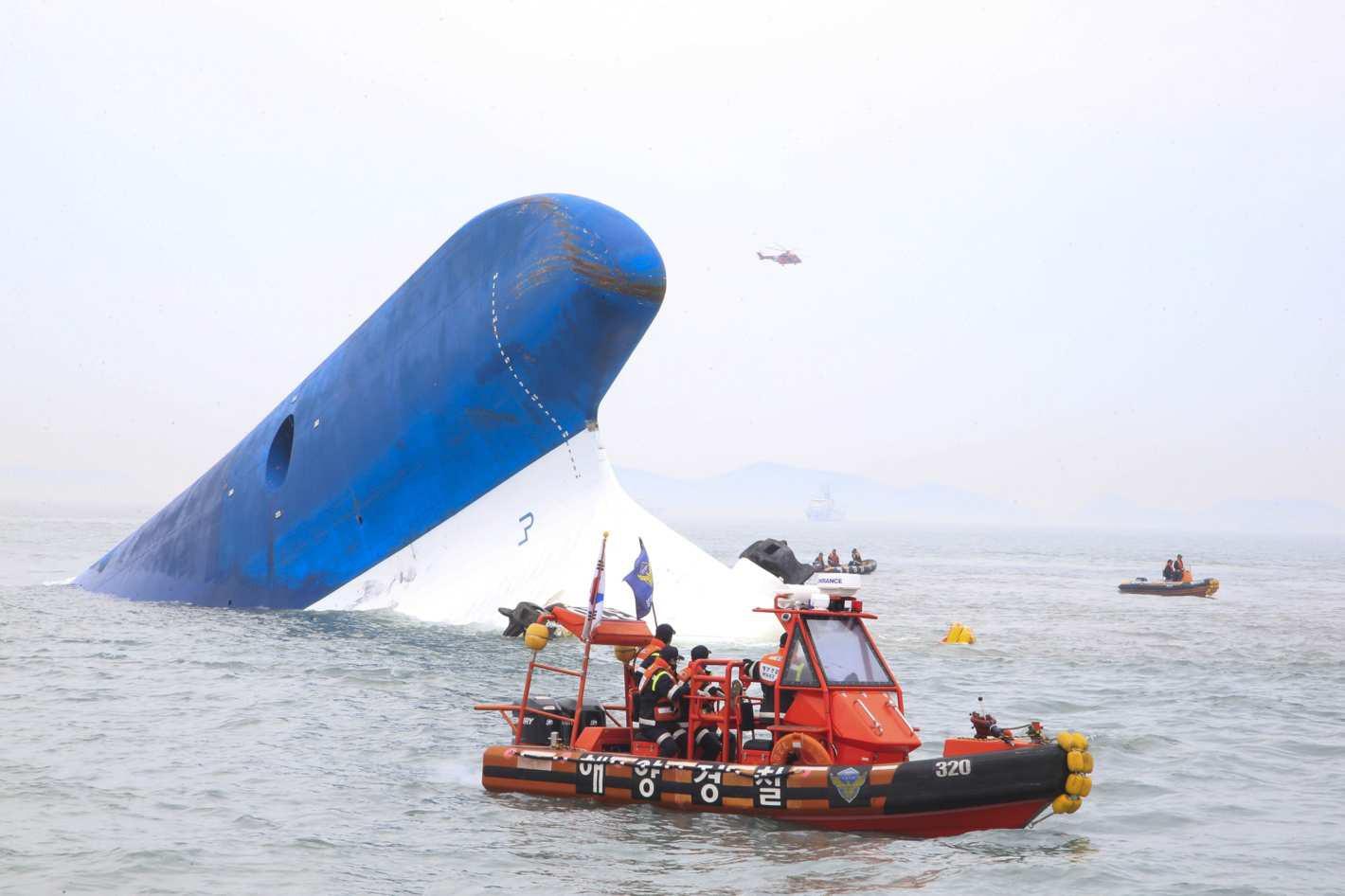 5 năm sau thảm họa chìm phà Sewol, điện ảnh Hàn lên tiếng: Đã đến lúc cần đối diện với nỗi đau! - Ảnh 1.