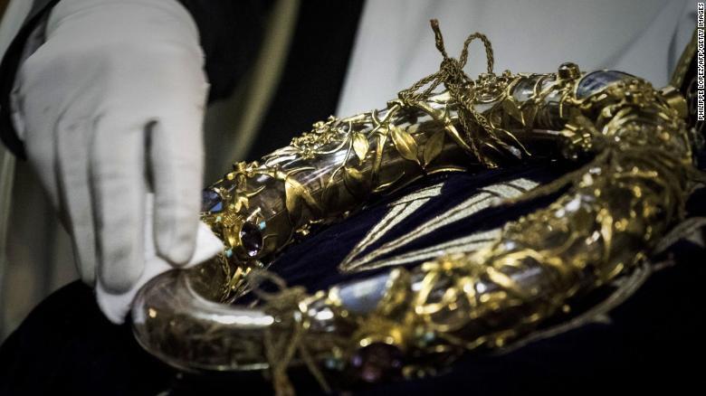 Những bảo vật khiến Nhà thờ Đức Bà Paris là biểu tượng bất diệt trong trái tim người Pháp: Bao nhiêu thứ còn nguyên vẹn sau đám cháy? - Ảnh 9.