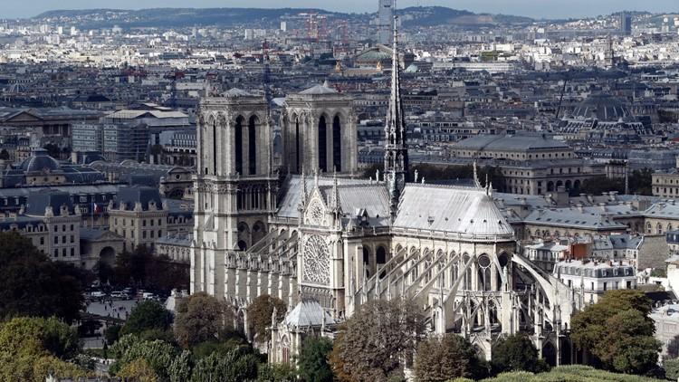 Mới 1 năm trước, Nhà thờ Đức Bà Paris từng bị liệt vào danh sách những kiến trúc đang lâm nguy và sắp thành đống đổ nát - Ảnh 8.