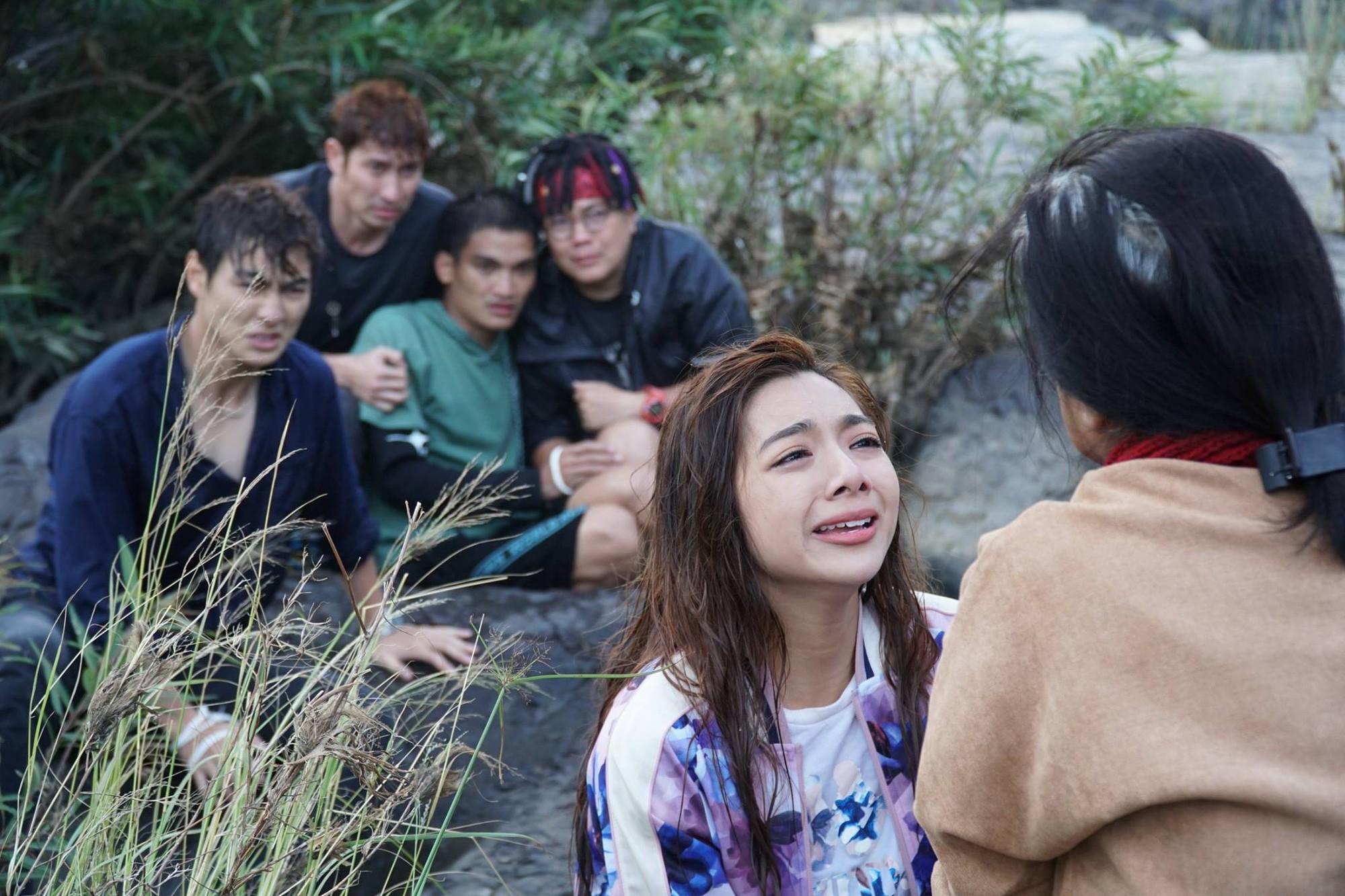 Lật Mặt 4 lọt top 3 phim Việt có doanh thu mở màn cao nhất mọi thời đại, khán giả đồng loạt gọi tên Mạc Văn Khoa! - Ảnh 15.