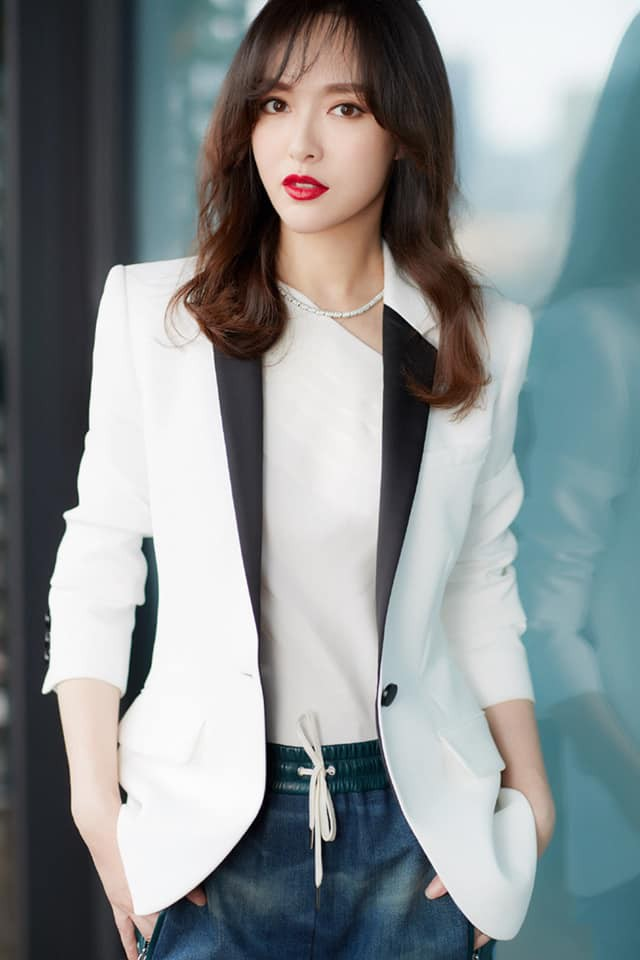 """Sao nữ có gương mặt thời trang nhất châu Á: Nghê Ni đứng đầu, Jennie """"đội sổ"""" nhưng sốc nhất là sự tuột dốc của Nhiệt Ba - Ảnh 14."""