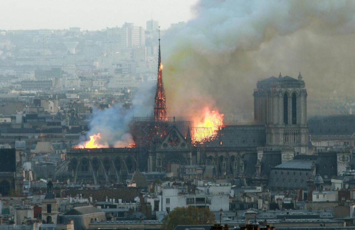 Mới 1 năm trước, Nhà thờ Đức Bà Paris từng bị liệt vào danh sách những kiến trúc đang lâm nguy và sắp thành đống đổ nát - Ảnh 5.