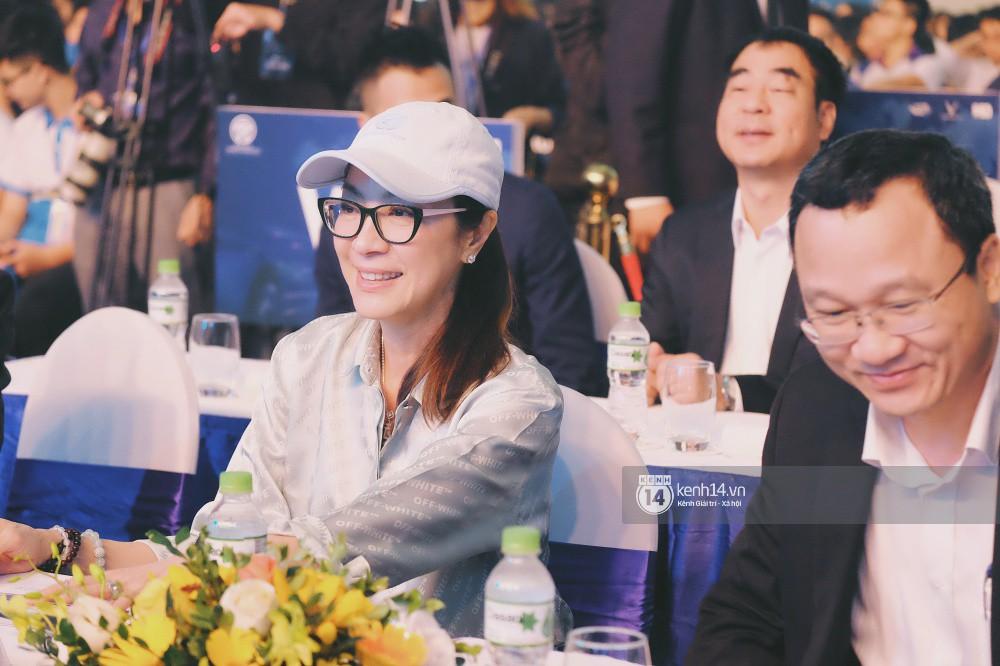 Siêu sao Crazy Rich Asians Dương Tử Quỳnh rạng rỡ bên chồng quyền lực, Min và Erik cực nhiệt tại sự kiện ở Hà Nội - Ảnh 6.