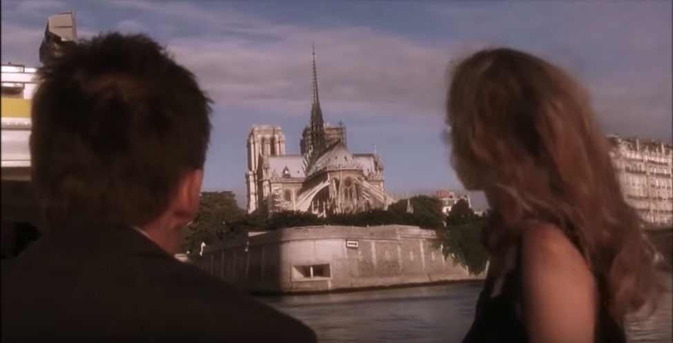 Rùng mình trước lời tiên tri cách đây 15 năm về đám cháy ở Nhà Thờ Đức Bà Paris hôm nay! - Ảnh 2.