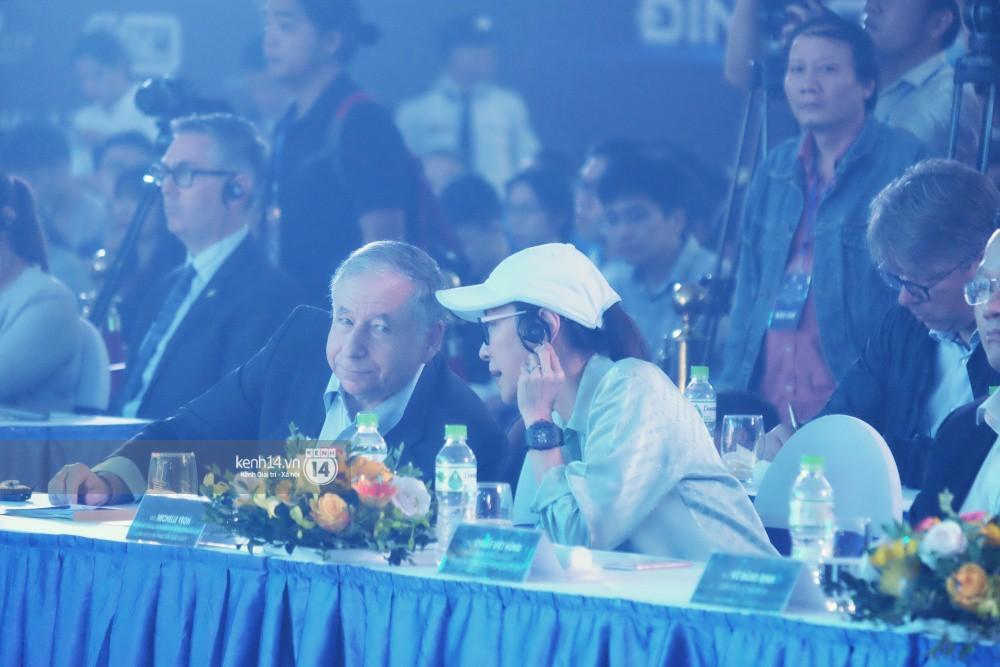 Siêu sao Crazy Rich Asians Dương Tử Quỳnh rạng rỡ bên chồng quyền lực, Min và Erik cực nhiệt tại sự kiện ở Hà Nội - Ảnh 13.