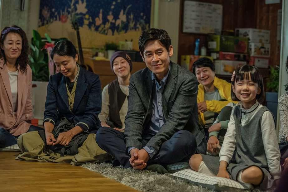 5 năm sau thảm họa chìm phà Sewol, điện ảnh Hàn lên tiếng: Đã đến lúc cần đối diện với nỗi đau! - Ảnh 11.