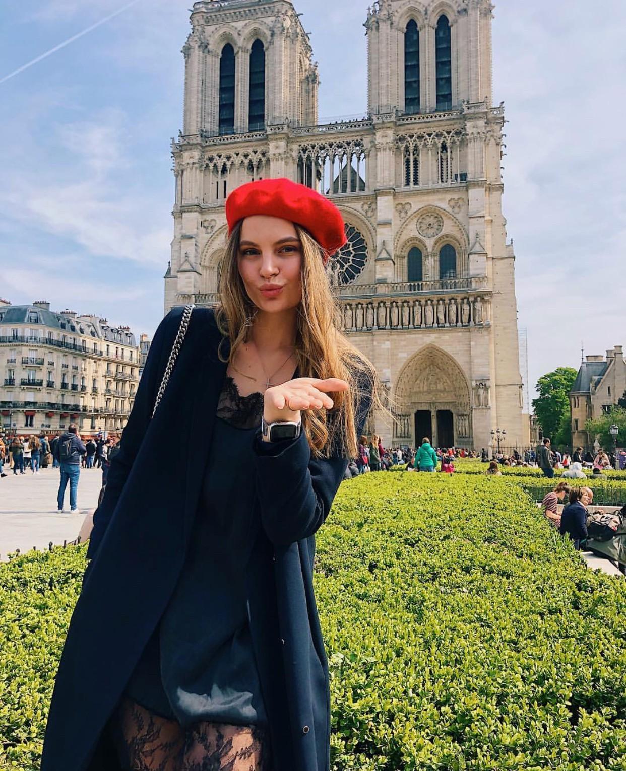 Trước khi sụp đổ một phần vì vụ cháy chấn động, Nhà thờ Đức Bà ở Paris từng là biểu tượng bình yên của cả nước Pháp - Ảnh 15.