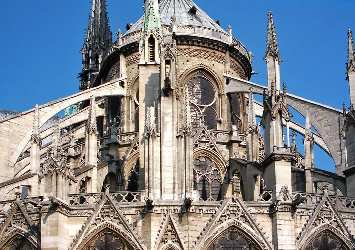 Mới 1 năm trước, Nhà thờ Đức Bà Paris từng bị liệt vào danh sách những kiến trúc đang lâm nguy và sắp thành đống đổ nát - Ảnh 6.