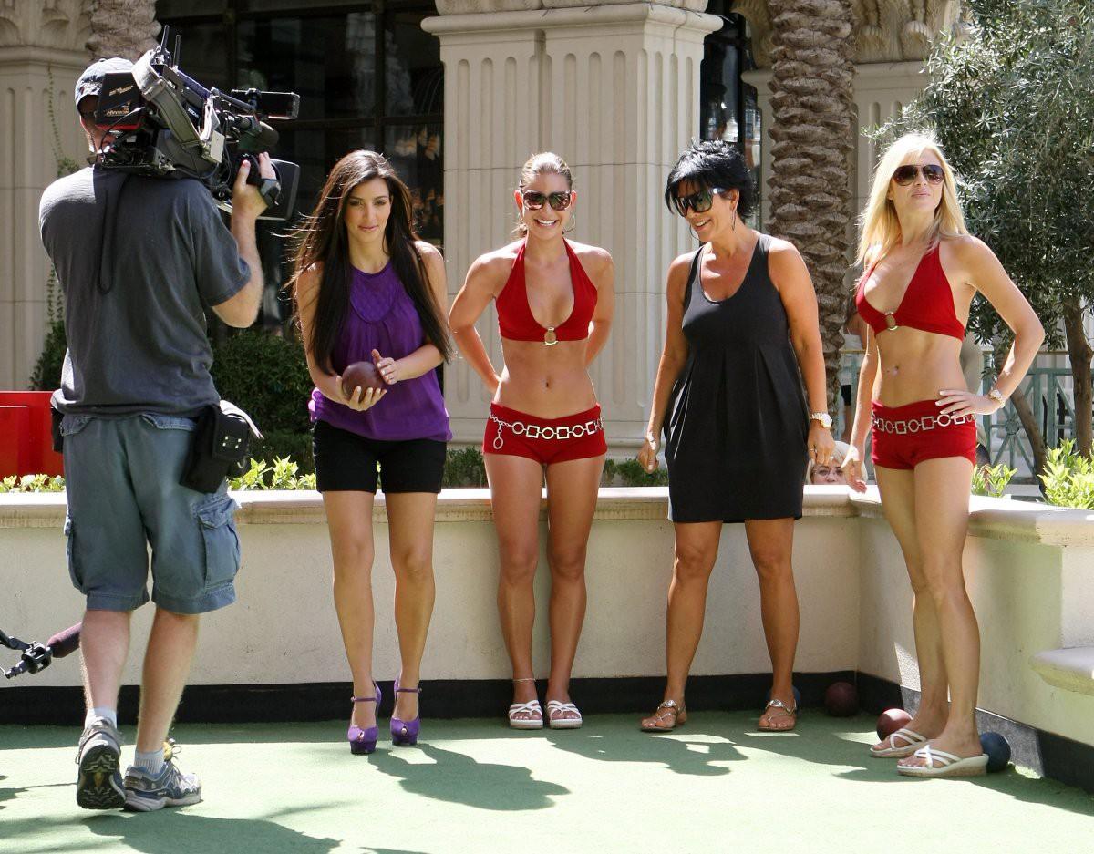 Chiến lược đổi đời của Kim Kardashian: Không phải clip sex, việc làm hầu gái cho Paris Hilton mới yếu tố quyết định - Ảnh 7.
