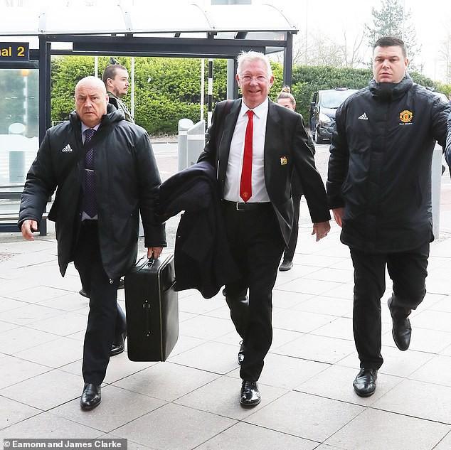 Tứ kết lượt về Champions League: Với bản năng Quỷ đỏ, MU có thể làm nên kỳ tích trước Messi và đồng đội - Ảnh 1.