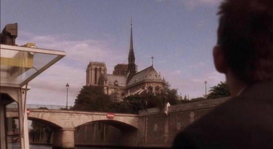 """Khán giả rùng mình nhớ lại cảnh phim """"tiên tri vụ cháy Nhà thờ Đức Bà Paris: """"Một ngày nào đó toà nhà sẽ biến mất - Ảnh 7."""