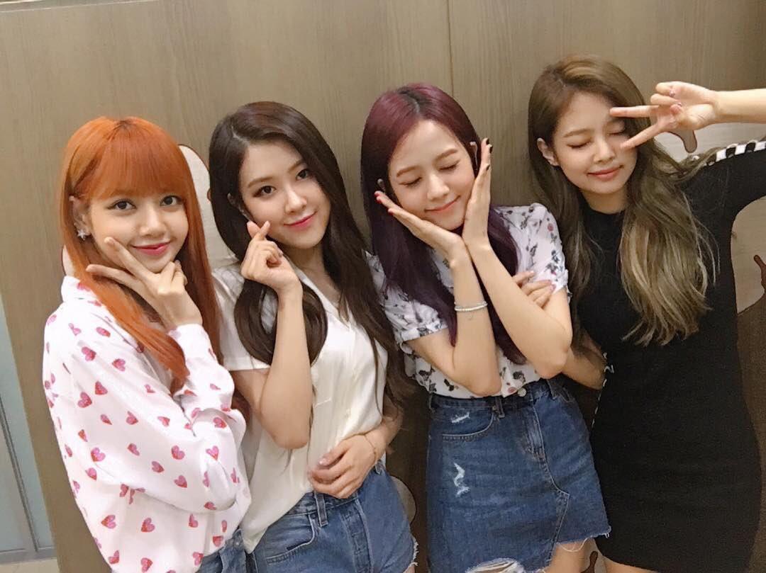 Tính cách thật của Black Pink: 4 công chúa sang chảnh ngoài đời khác hẳn trên sân khấu, Jennie đặc biệt gây bất ngờ - Ảnh 2.