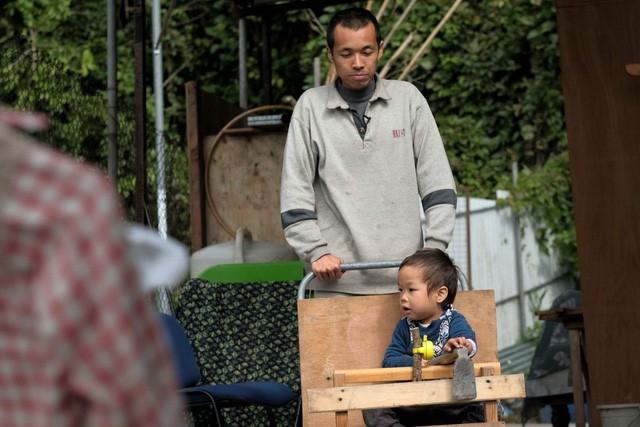 Người đàn ông Hong Kong bỏ phố về quê để sống xanh: Tự nhóm lửa, trồng rau, cả gia đình không dùng giấy vệ sinh suốt hơn 10 năm trời - Ảnh 3.