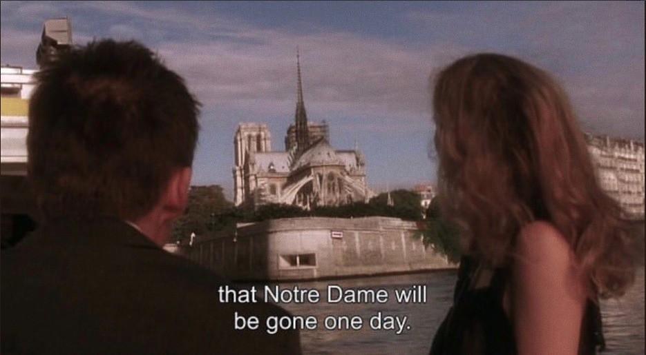 """Khán giả rùng mình nhớ lại cảnh phim """"tiên tri vụ cháy Nhà thờ Đức Bà Paris: """"Một ngày nào đó toà nhà sẽ biến mất - Ảnh 9."""