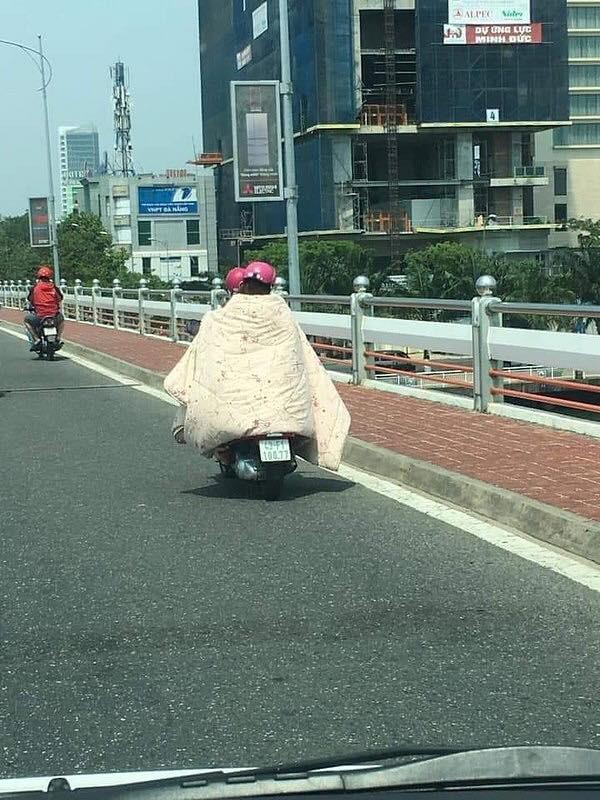 Style Ninja đã được nâng cấp lên một tầm cao mới trong những ngày Sài Gòn nắng nóng đến suy nhược - Ảnh 1.