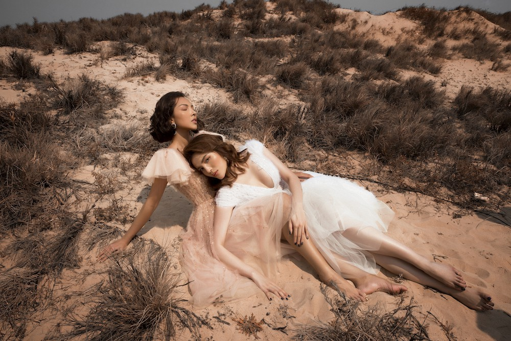 Ki Duyen and Minh Trieu became more and more attached and embraced passionately among the desert - Photo 7.