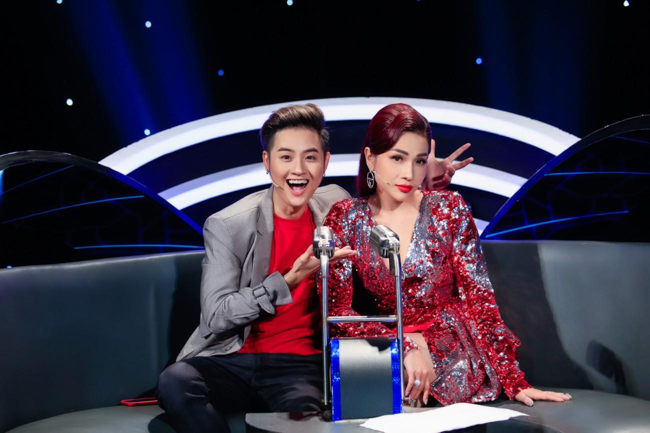 Hòa Minzy khoe giọng live như nuốt đĩa bên 2 học trò nhí - Ảnh 3.