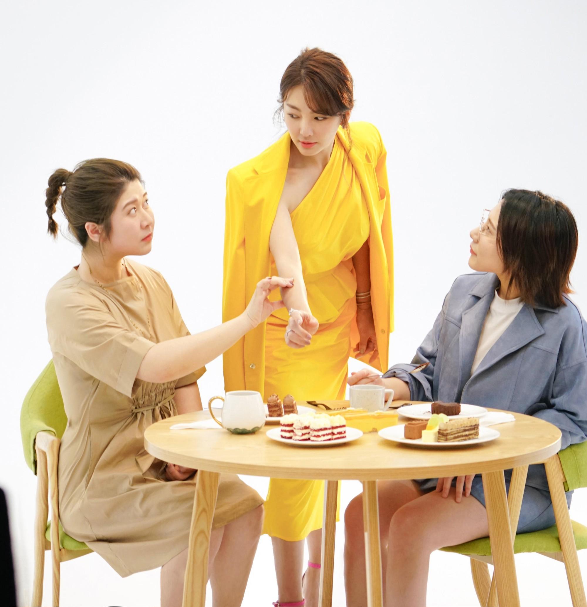 Song Hye Kyo Trung Quốc lộ nhẫn kim cương khủng, chuẩn bị cưới đại gia lần 3 sau scandal đâm chồng cũ? - Ảnh 4.