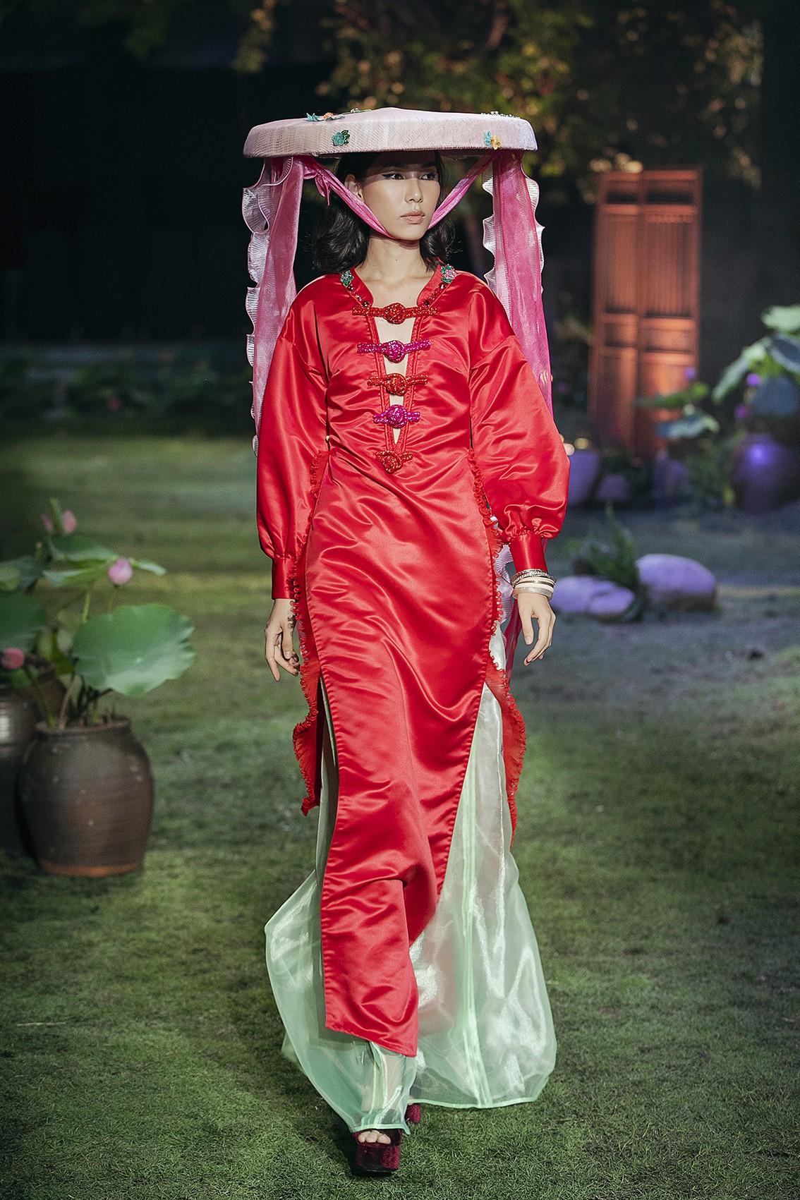 Tuyết Lan và Kha Mỹ Vân tái xuất tại show của NTK Thủy Nguyễn: Cô nào cũng tròn đầy phúc hậu hơn xưa - Ảnh 5.