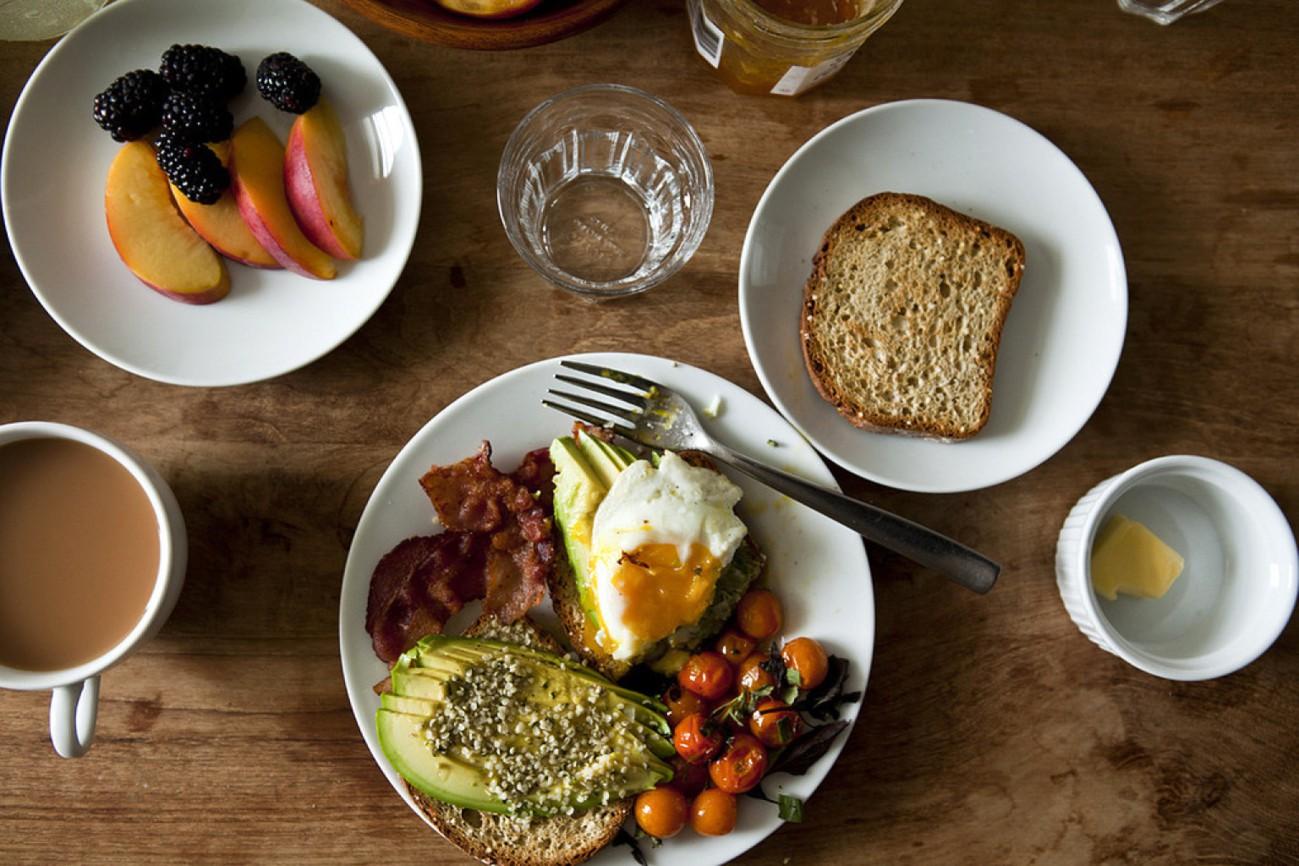 Sĩ tử chú ý: đây chính là những nguyên tắc ăn uống quan trọng để bảo vệ sức khỏe mùa thi - Ảnh 2.