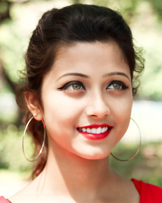 Xuất hiện trong lễ hội Mùa Xuân, thiếu nữ Ấn Độ khiến cộng đồng mạng chao đảo vì nhan sắc đẹp tựa thần tiên - Ảnh 8.