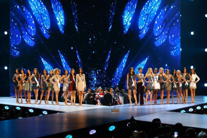 Nhìn thí sinh Produce X 101 catwalk trên sân khấu, fan thốt lên: Tưởng đang thi Hoa hậu Hoàn vũ? - Ảnh 5.