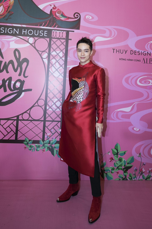 """Chẳng hẹn mà gặp, cả Lan Ngọc lẫn Đỗ Mỹ Linh đều hóa """"cô Tấm trên thảm đỏ show của NTK Thủy Nguyễn - Ảnh 18."""
