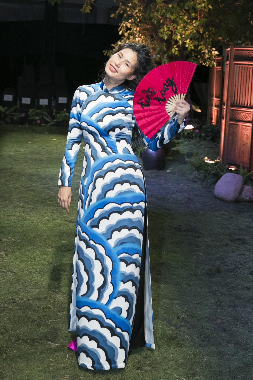 """Chẳng hẹn mà gặp, cả Lan Ngọc lẫn Đỗ Mỹ Linh đều hóa """"cô Tấm trên thảm đỏ show của NTK Thủy Nguyễn - Ảnh 19."""