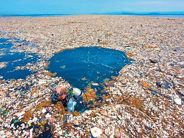 Đống rác to nhất thế giới nằm ở đây và bạn sẽ phải ngạc nhiên về kích cỡ của nó - Ảnh 1.