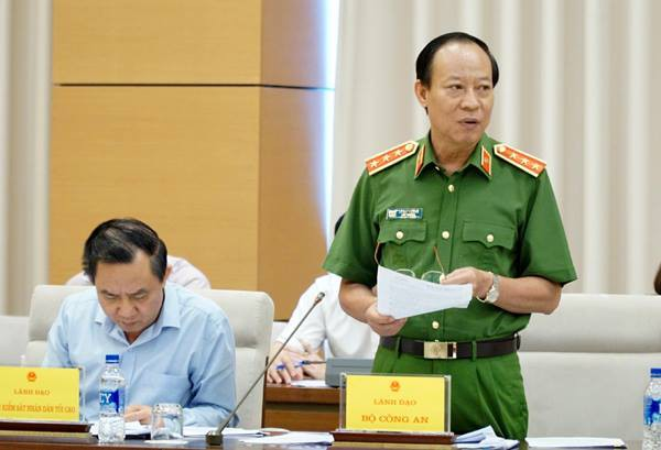 Thứ trưởng Công an giải trình vụ ông Nguyễn Hữu Linh sàm sỡ bé gái trong thang máy: Nạn nhân nói gì? - Ảnh 1.