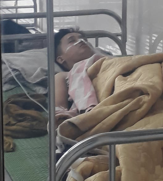 Vụ cô gái bị đâm nhiều nhát tử vong ở Ninh Bình: Con gọi về cầu cứu tôi khi bạn trai cũ chốt cửa xe, không cho nó xuống - Ảnh 4.