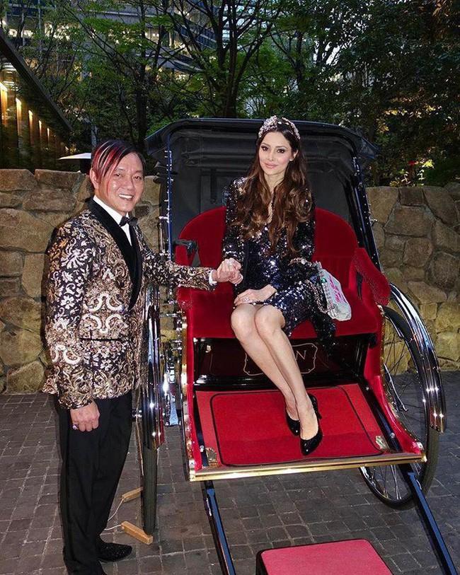 """Sau 7 năm cưới """"tỷ phú xấu nhất Macau"""", nữ siêu mẫu gây choáng"""