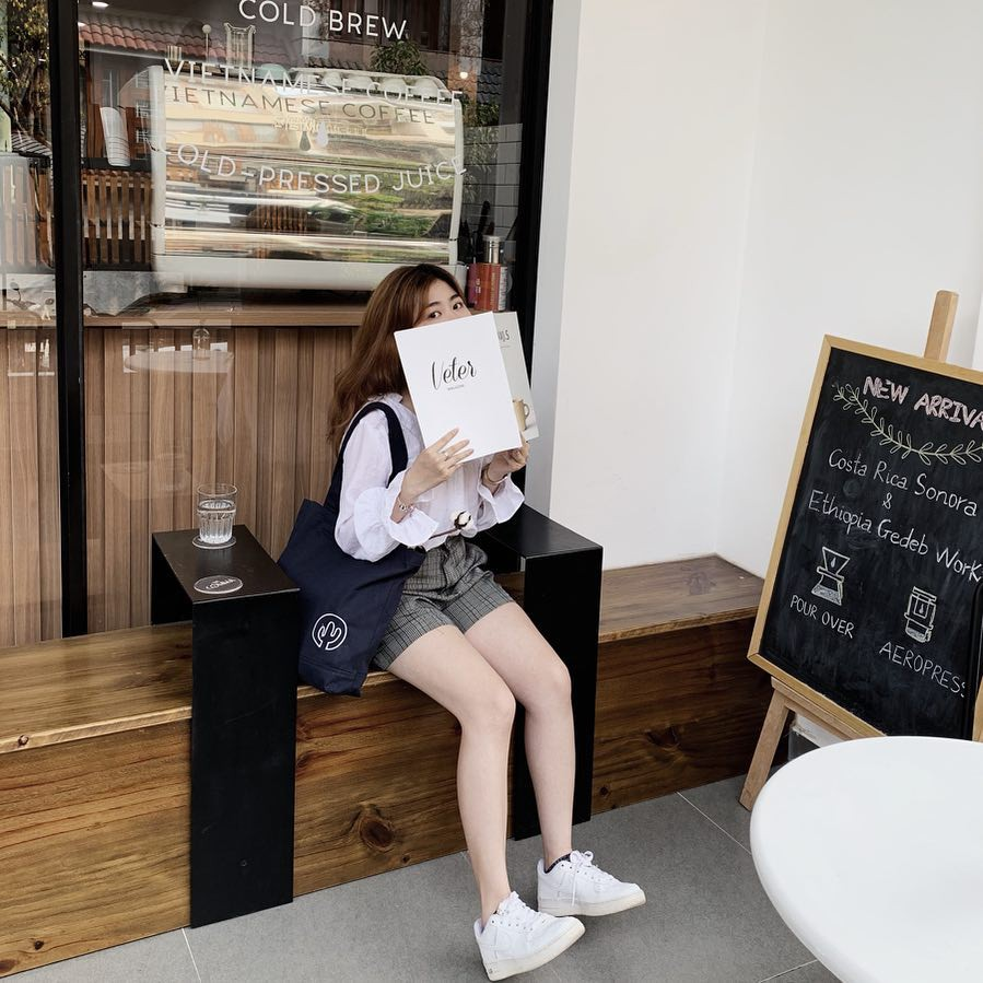 Thủ sẵn 4 quán cà phê mới toanh này để trốn nắng Sài Gòn vào dịp cuối tuần - Ảnh 4.